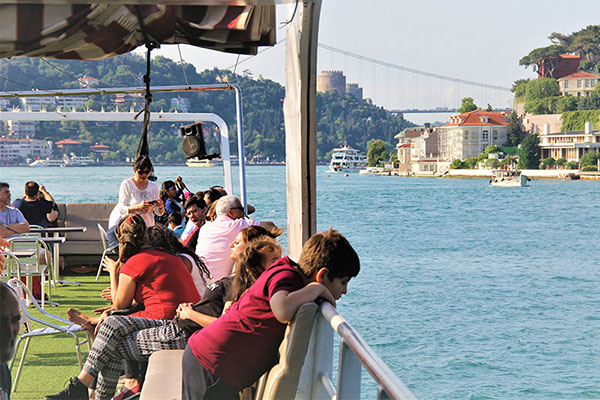 Full-Day Istanbul Dolmabahce with Bus and Boat City Sightseeing Tour