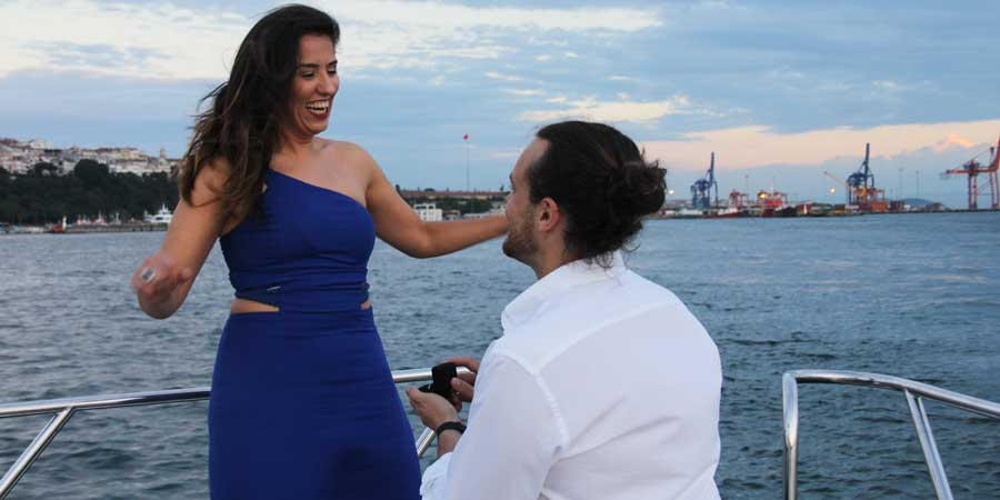 Marriage Proposals, Marriage Proposal on Bosphorus, Romantic Marriage Proposal in Istanbul, Marriage Proposal in Bosphorus